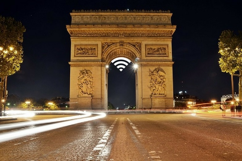 The Champs-Elysées Committee, in partnership with JCDecaux's outdoor advertising, launched free Wi-Fi all along the famous Parisian avenue, Champs-Elysées- free wifi service